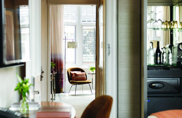 London living at The Athenaeum Hotel & Residences, Townhouse Residences