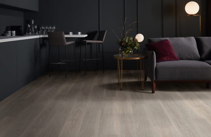 Polyflor adds EnCore Rigid Loc to the Expona family of premium vinyl floorcoverings